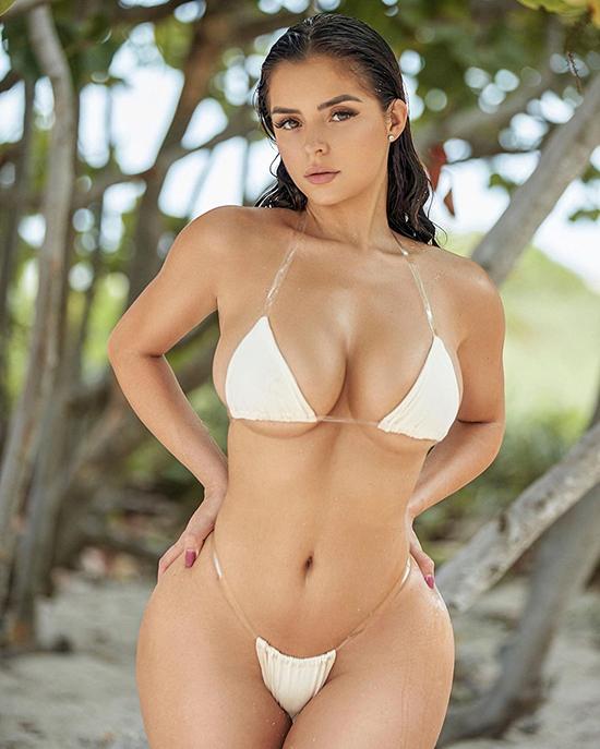 Bản sao Kylie Jenner liên tục bán nude - 20