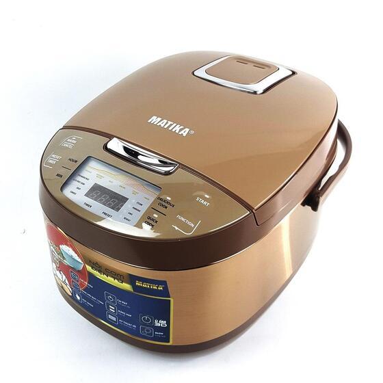 Nồi cơm điện điện tử cao cấp Matika MTK-RC1885 đa chức năng1.390.000đ (-25%)Dung tích: 1.8L.Chức năng nấu: đa chức năng.- Hẹn giờ: Có.- Màn hình hiển thị: màn hình LED.Thân nồi làm bằng inox chất lượng cao, cho khả năng cách nhiệt tốt, sáng bóng, đồng thời giúp MTK-RC1885 trở nên sang trọng, nổi bật hơn.Lòng nồi của MTK-RC1885 được thiết kế dày dặn hình chữ U có độ dày lên tới 1,7mm, đầm tay, giúp giữ nhiệt tốt, cho cơm chín thơm ngon như nồi gang.  - Bên trong lòng nồi của MTK-RC1885 được tráng lớp chống dính 3 lớp: ceramic – hợp kim – đồng đảm bảo độ an toàn cao khi nấu, hiệu quả sử dụng lâu bền không bị bong tróc, cơm, cháo... không bị bám dính, cực kỳ tiện lợi khi vệ sinh sau khi sử dụng.đa chức năng nấu như: nấu cơm (Ngon & Tiêu chuẩn), Nấu cháo, Hấp, Làm bánh, Hâm nóng...  - Bảng chế độ nấu được hiện thị dưới dạng nút ấn thân thiện cùng màn hình hiện thị kỹ thuật số giúp người dùng dễ dàng sử dụng.Chế độ cài đặt hẹn giờ theo ý thích giúp bạn dễ dàng căn chỉnh các món ăn theo nhu cầu của mình.Van thoát hơi thông minh của MTK-RC1885 ổn định lượng hơi nước trong suốt quá trình nấu, giúp cơm chín nhanh không dính nhão bề mặt.
