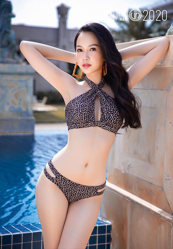 Phạm Thị Phương Quỳnh 20 tuổi, cao 1,74 m, số đo ba vòng 78-62-94 cm. Người đẹp đến từ Đồng Nai thể hiện tốt suốt hai tháng dự thi, vào top 5 phần thi Bikini. Do đó, cơ hội tiến sâu ở đêm chung kết hoàn toàn có thể diễn ra với cô.