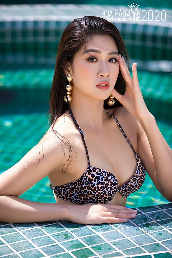 Đặng Vân Ly 22 tuổi, cao 1,76 m và là tiếp viên hàng không. Cô ghi điểm bởi phong độ ổn định, trình diễn tốt và vào top 5 Người đẹp Du lịch.