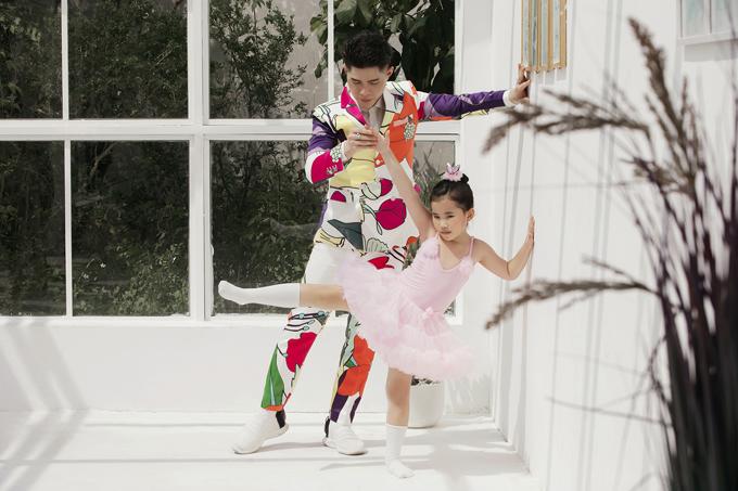 Không chỉ chuyên tâm đào tạo catwalk bài bản, việc phát triển năng khiếu cũng được đạo diễn Nguyễn Hưng Phúc chú trọng.