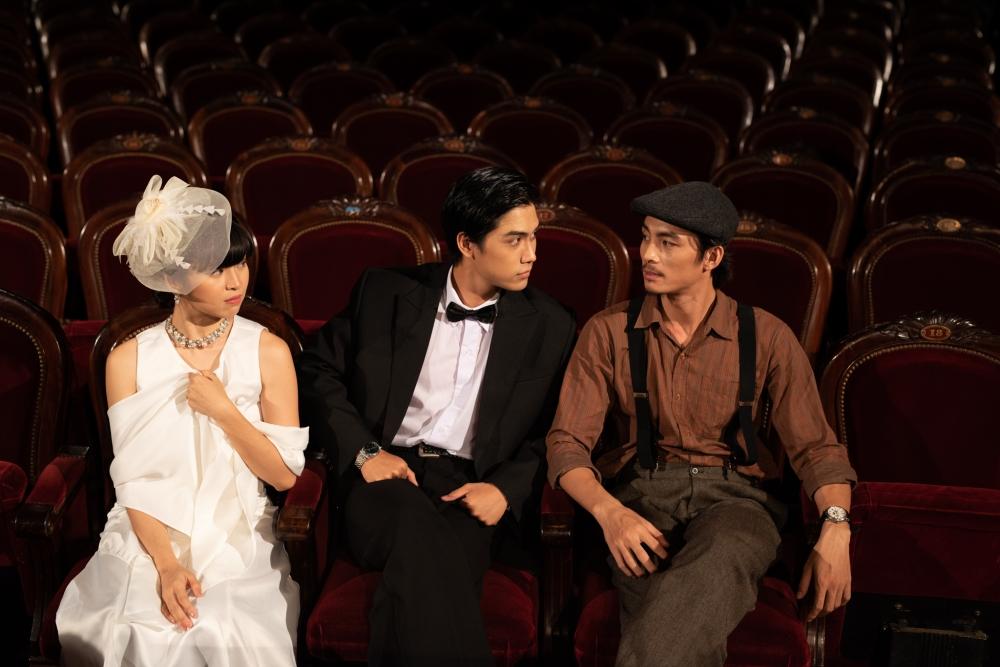 Giọt nước mắt đôi ta là ca khúc nhạc Hàn và do Đàm Vĩnh Hưng viết lời Việt.