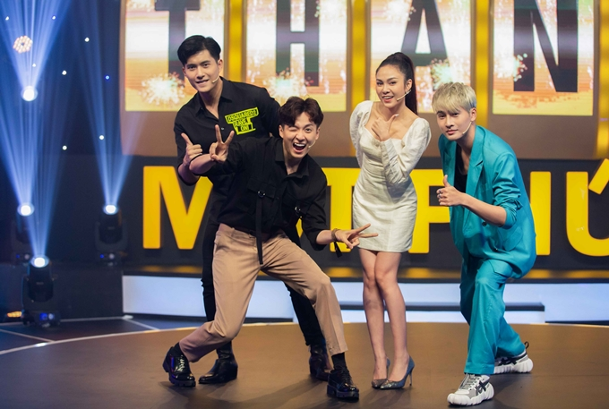 Ngô Kiến Huy nhí nhố bên diễn viên - người mẫu Lâm Bảo Châu, ca sĩ Lưu Hiền Trinh, người mẫu Nhâm Phương Nam.