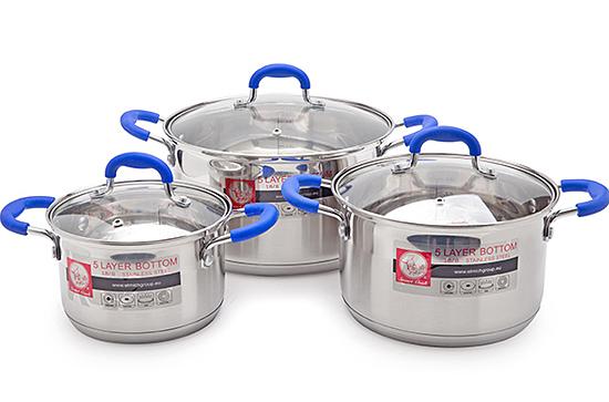 Bộ nồi Inox Smartcook SMR3 939.000đ (-35%)Chất liệu inox tuyệt đối an toàn, không gây hại cho sức khỏe  5 lớp đáy giúp truyền và giữ nhiệt tối ưu, tiết kiệm năng lượng khi sử dụng  Sản phẩm sử dụng được trên tất cả các loại bếp: bếp ga, bếp điện, bếp từ...  Thông số sản phẩm:  - Bộ nồi Smart Cook 2355961 gồm có 3 nồi đường kính 16, 20 và 24 cm  - Nắp kính chịu nhiệt an toàn chống trào  - Quai nồi và núm vung bọc silicon cách nhiệt  - Sử dụng được trên tất cả các loại bếp: bếp ga, bếp điện, bếp từ,...
