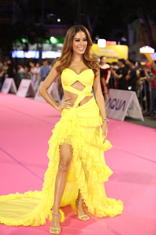 Siêu mẫu Như Vân là chuyên gia đào tạo catwalk cho các thí sinh Hoa hậu Việt Nam 2020.