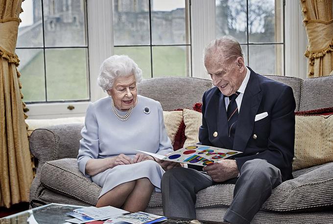 Nữ hoàng và Hoàng thân Philip ở lâu đài Windsor. Ảnh: Chris Jackson.