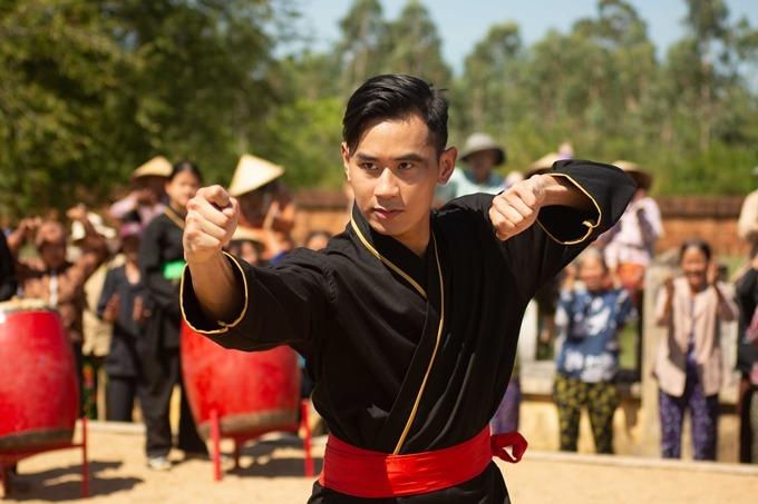 Diễn viên võ thuật Tiến Hoàng lần đầu về nước đóng phim.
