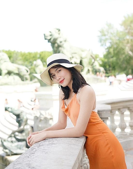Ngoài đời thường, Phương Anh yêu thích mái tóc ngắn chấm ngang vai.