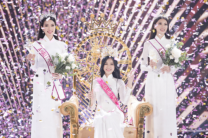 Hoa hậu Đỗ Thị Hà và hai á hậu Phạm Ngọc Phương Anh và Nguyễn Lê Ngọc Thảo.