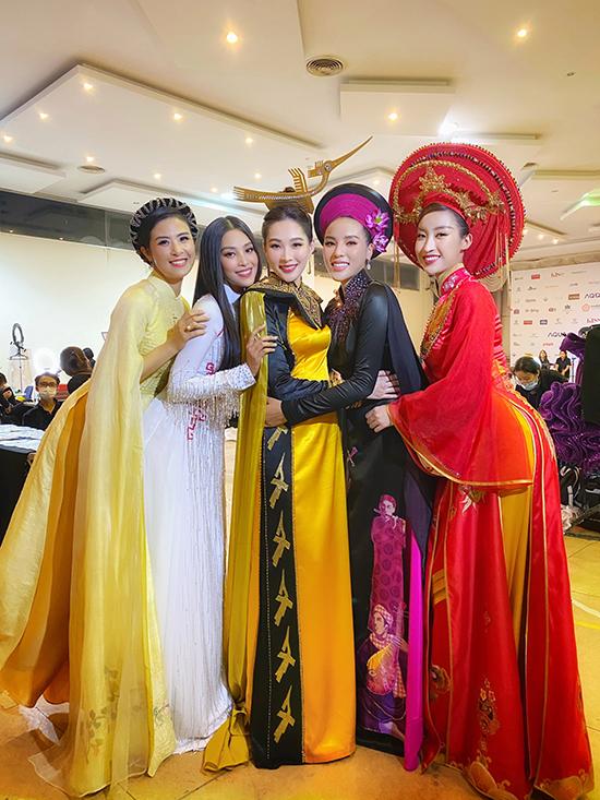 5 thế hệ hoa hậu đọ sắc
