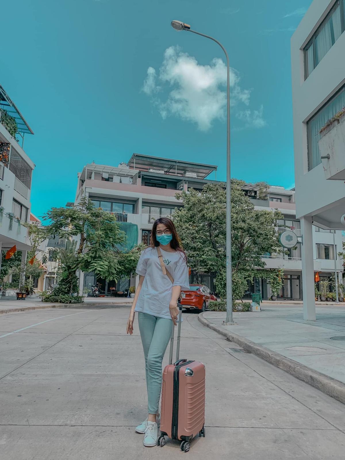 Tân hoa hậu Đỗ Thị Hà hay du lịch với lớp