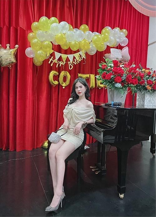 Hương Trần - vợ cũ diễn viên Việt Anh đầy tâm trạng: Người tốt thì không lựa chọn, lại chọn một người không xứng đáng. Đừng buồn và hối tiếc và cũng không nhìn lại.