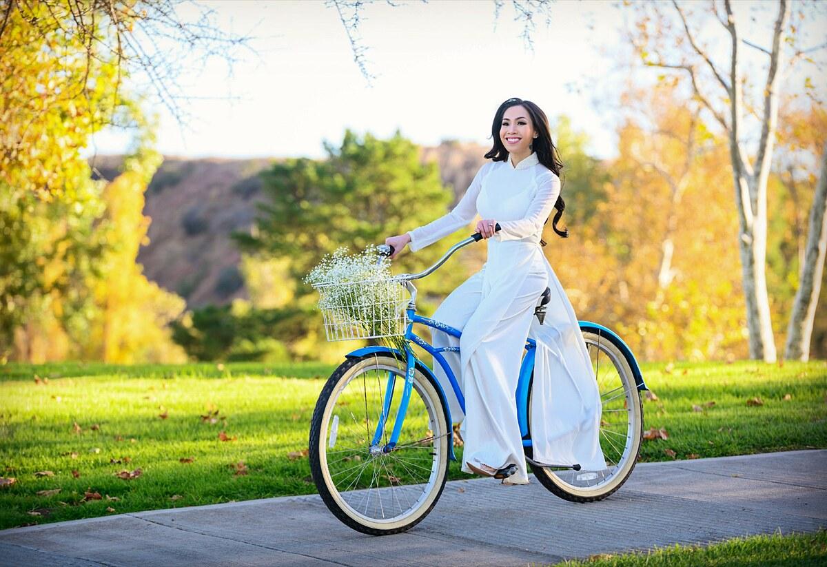 Nguyễn Ngọc Quỳnh từng đăng quang Hoa hậu Ảnh Việt Nam quốc tế 2016 và Ms Việt Nam Continents 2017 (Hoa hậu Phụ nữ người Việt thế giới 2017). Trong hai năm gần đây, người đẹp tạm gác lại các hoạt động giải trí để tập trung chăm sóc gia đình.