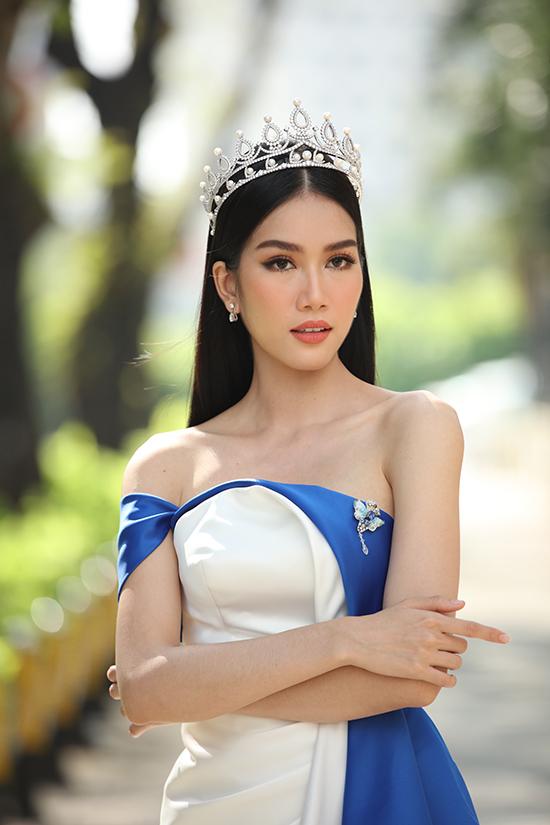 Á hậu 1 Hoa hậu Việt Nam 2020 Phạm Ngọc Phương Anh sở hữu vẻ đẹp thanh lịch.