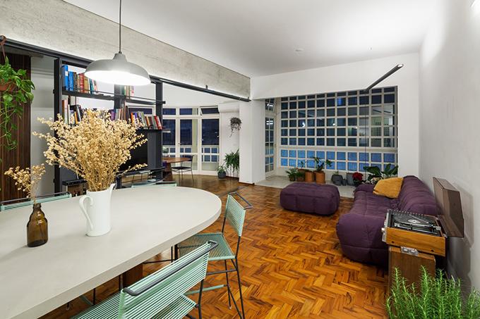 Kết quả của việc kết nối các phòng chức năng là giúp căn hộ thông gió tốt hơn, đón sáng hiệu quả.