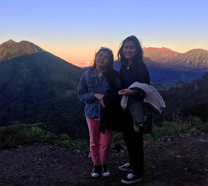 [Caption] 1  Watching sunrise on the top of a volcano with your bestfriend indo  To tell you the truth, climbing mountain under a sky full of stars, 7 degree celcius, and then heading to the cratère with a mask on (because the air is full of sulfur) to see the blue light and the acid lake is one of the best things that ever happened to me. I just feel so blessed and so alive and so capable of doing anything on this world. Nothing seems impossible anymore