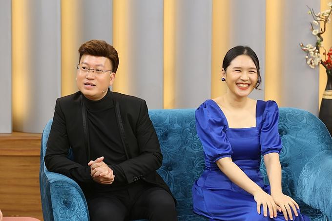 Vợ chồng ca - nhạc sĩ Sỹ Luân và vợ là MC Phương Thảo trong chương trình Mảnh Ghép Hoàn Hảo sẽ được phát sóng lúc 21h35 hôm nay ngày 22/11/2020 trên VTV9.