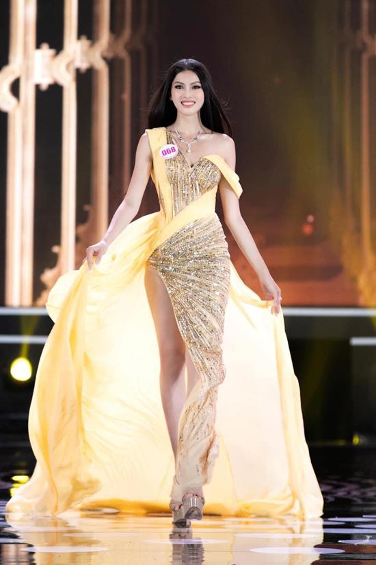 Á hậu Ngọc Thảo muốn mặc nổi bật như HHen Niê