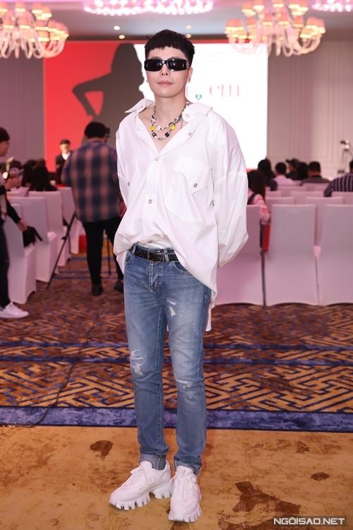 Nhạc sĩ - ca sĩ Trịnh Thăng Bình đảm nhận vai trò giám đốc âm nhạc của phim.