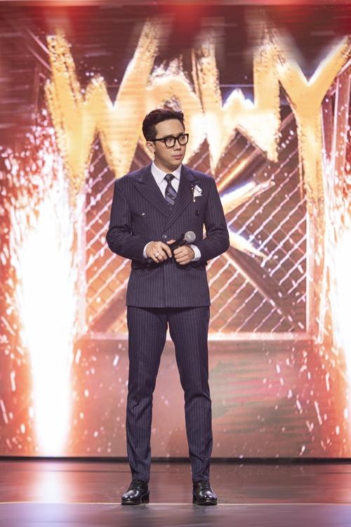 Trước thềm chương trình, Trấn Thành tiết lộ chuẩn bị nhiều bộ suit với màu sắc, họa tiết và phụ kiện đi kèm khác nhau để phục vụ quá trình ghi hình cuộc thi tìm kiếm tài năng về rap.