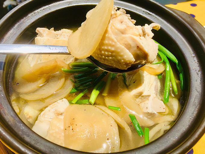 Canh gà củ cải muối