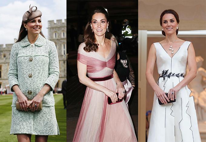 Nữ công tước xứ Cambridge nhiều lần được trông thấy với tư thế cầm clutch bằng hai tay.