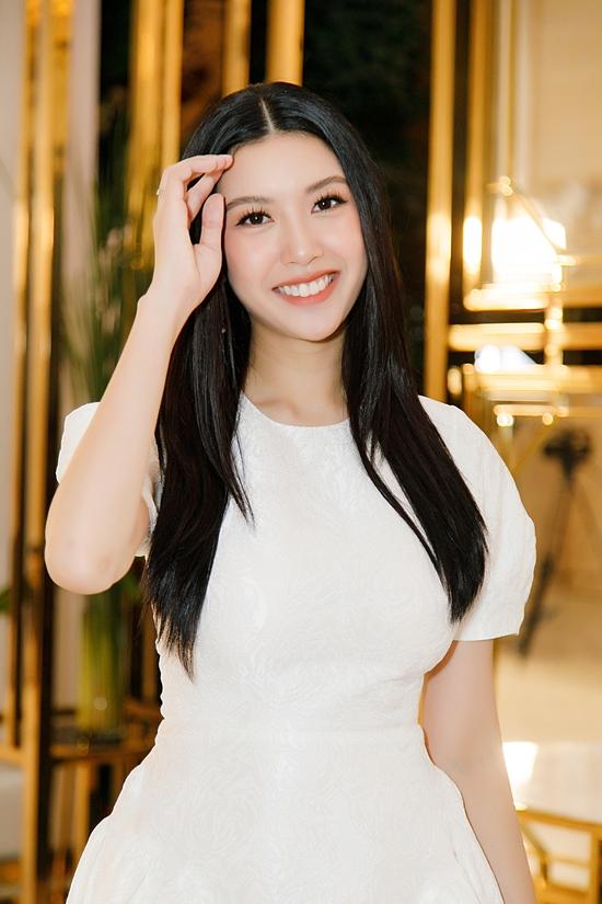 Á hậu Thúy Vân dự event sau một tháng sinh con - 4