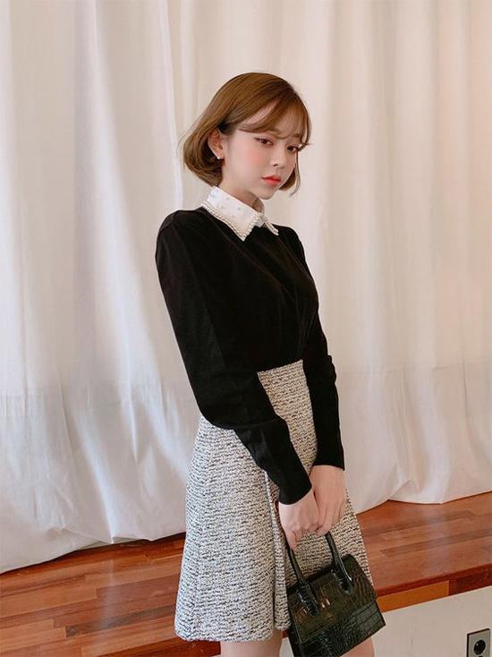 Áo sơ mi cách điệu, áo dệt kim và chân váy vải thô là công thức dễ dàng mang lại nét thanh lịch cho phái đẹp văn phòng.