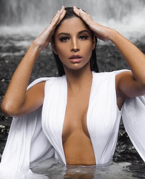Hoa hậu Venezuela - Stephany Zreik đứng nhì cuộc thi, tương đương danh hiệu Hoa hậu Không khí.