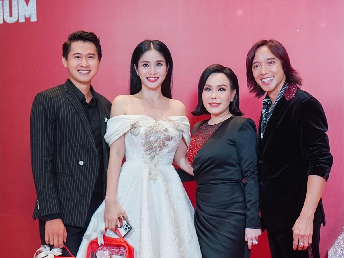 Mới đây, vợ chồng Thảo Trang đến dự một sự kiện do Việt Hương và ông xã tổ chức.
