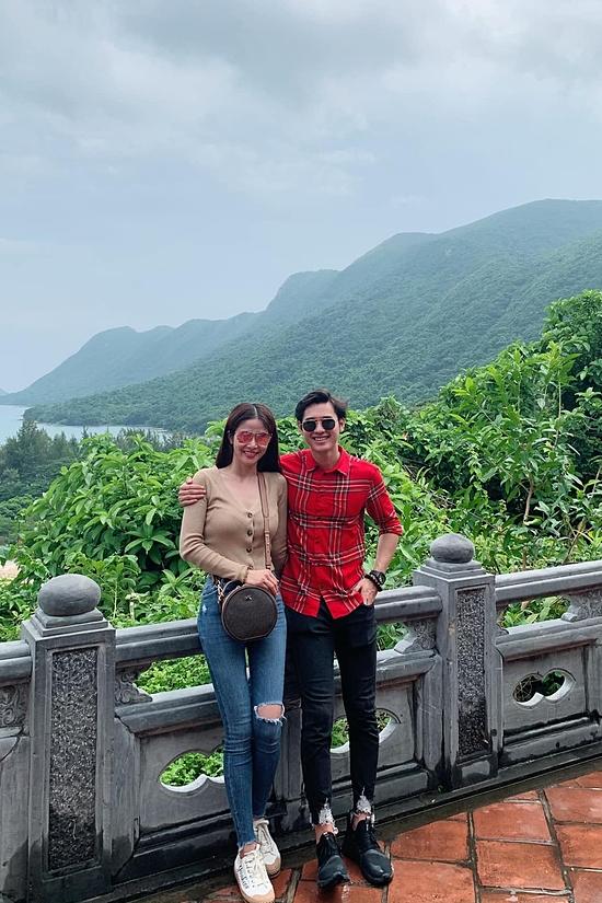 Cặp đôi thích đi du lịch nhiều nơi: Côn Đảo, Đà Lạt...