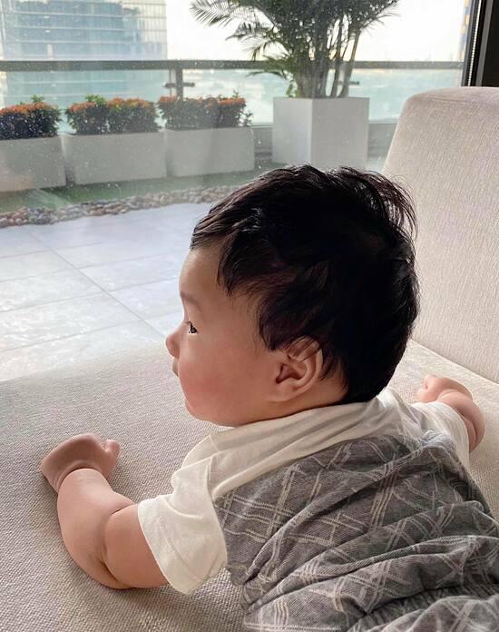 Con trai Đặng Thu Thảo giống hệt bà nội - 6