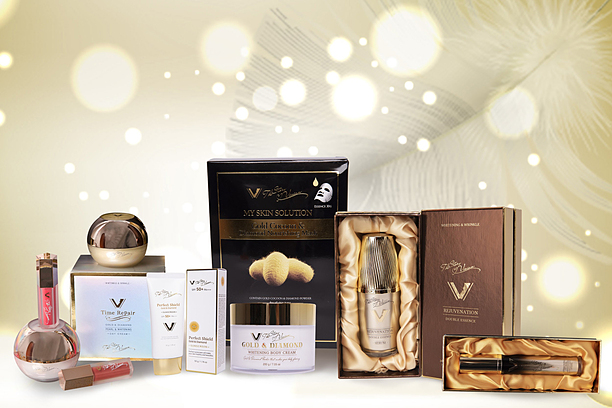 Thương hiệu mỹ phẩm The Story Vivian ra đời, chú trọng đến các dòng mỹ phẩm cao cấp về son, kem dưỡng, mặt nạ, serum, kem dưỡng da mắt, kem chống nắng và dưỡng thể.