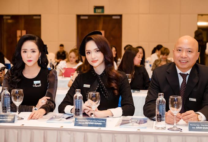 Dù vướng ồn ào, Hương Giang vẫn được các các cộng sự, cấp trên cùng công ty tin tưởng, đánh giá cao.