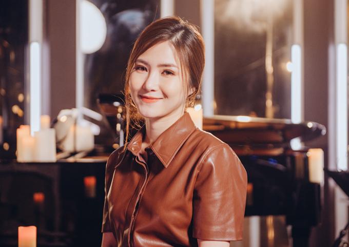 Hình ảnh mới của Hương Tràm.