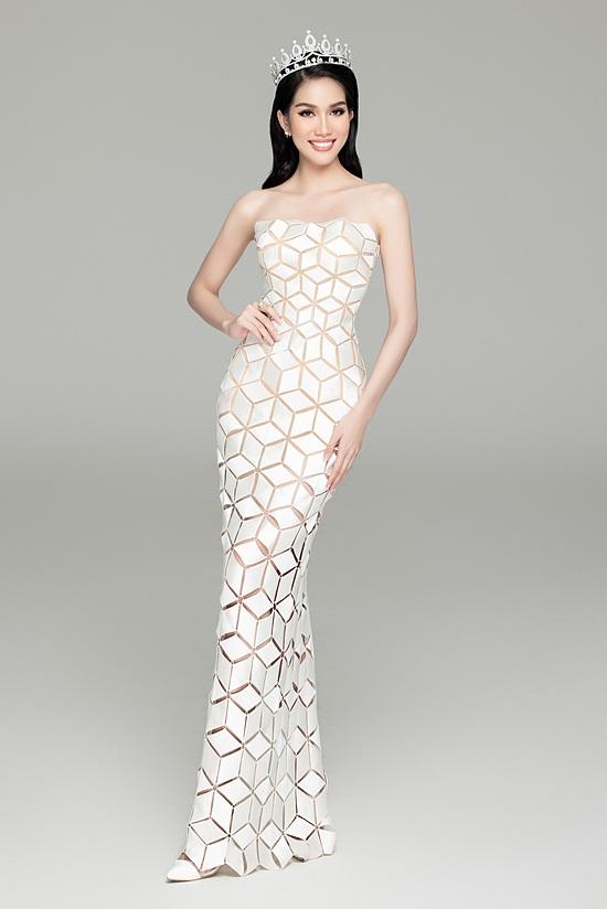 Phương Anh được kỳ vọng chinh chiến Hoa hậu Quốc tế 2021 nhờ sở hữu vẻ đẹp thanh lịch.