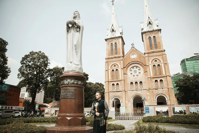 Lễ hội áo dài năm nay với chủ đề Tôi yêu áo dài Việt Nam là sự kiện mở đầu cho chuỗi sự kiện trong chiến dịch TP.HCM xin chào nhằm quảng bá điểm đến TP HCM và tái khởi động hoạt động của ngành du lịch thành phố.