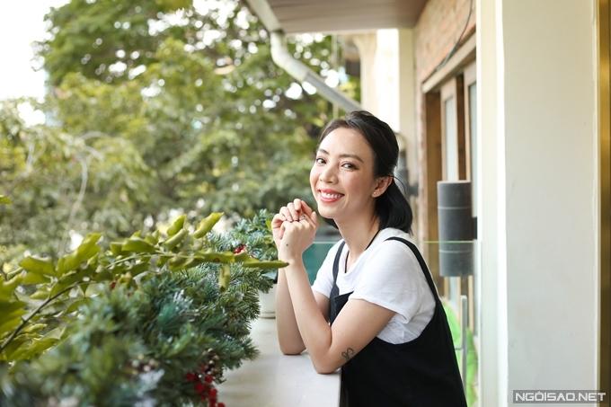 Nhìn lại năm 2020 - thời điểm mà nhiều người gọi là năm kinh tế buồn, Thu Trang có những áp lực riêng nhưng không ít điều khiến cô hài lòng trong công việc lẫn cuộc sống.