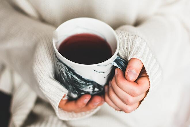 Cà phê đen giúp kiểm soát cơn đói hiệu quả.