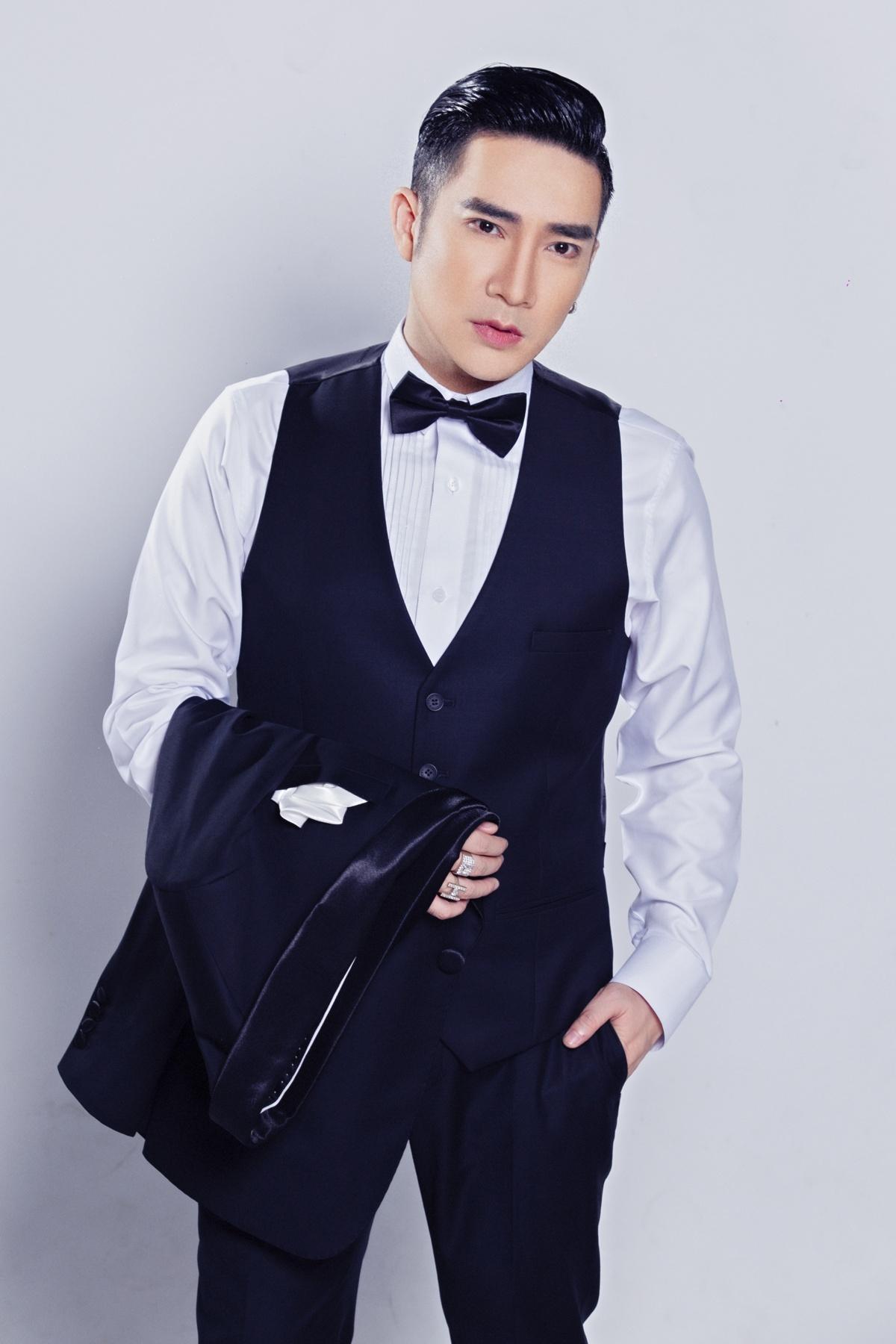 Quang Hà sẽ thể hiện 20 ca khúc trong chương trình.