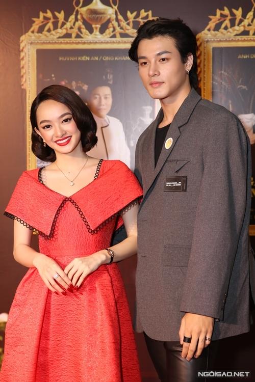Diễn viên Khương Lê được chọn vào vai phi công trẻ mới của phim Gái già lắm chiêu, nối tiếp Lê Xuân Tiền.