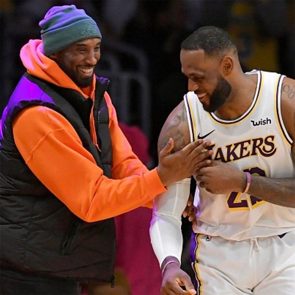 Ảnh của hai huyền thoại bóng rổ Kobe Bryant (trái) và LeBron James cũng có sức ảnh hưởng lớn trên mạng xã hội. Ảnh: Instagram.